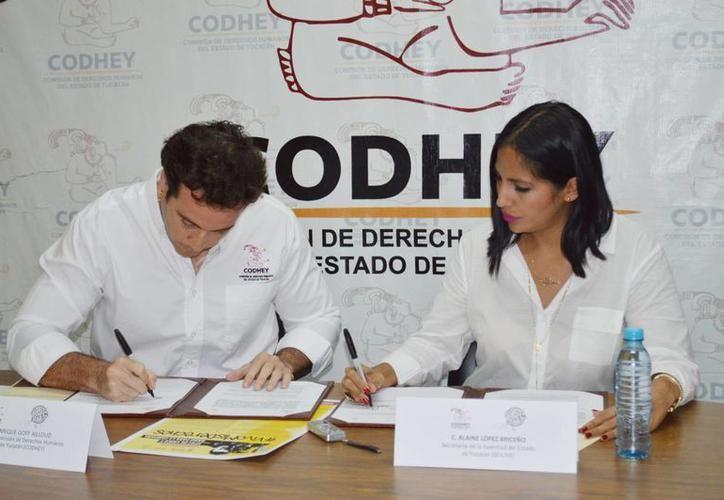 Ante la salida de  José Enrique Goff Ailloud (izquierda). el Congreso del Estado tendrá que elegir a un nuevo titular de la Codhey. (SIPSE)