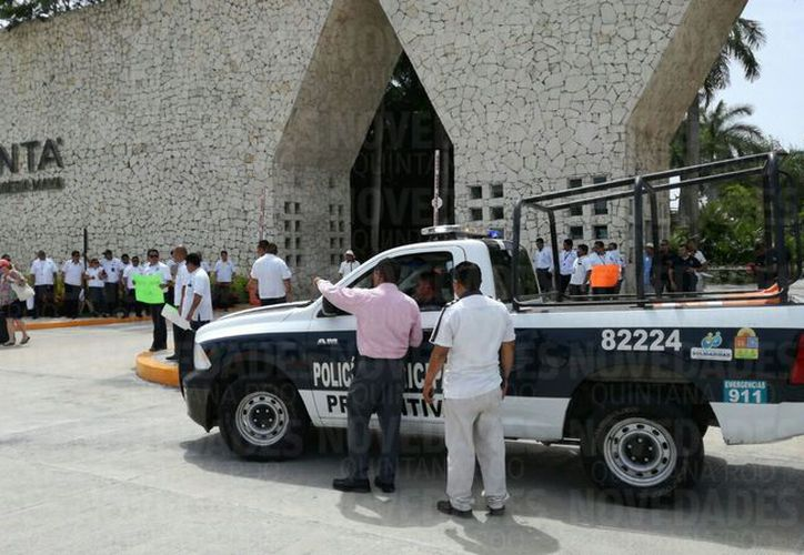 La Policía Municipal arribó al lugar para evitar algún enfrentamiento. (Adrián Barreto/ SIPSE)