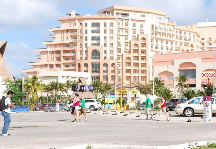 Las inversiones extranjeras permitirán consolidar la infraestructura turística de Cancún y Riviera Maya. (Jesús Tijerina/SIPSE)