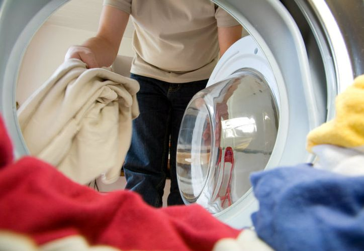 No pongas ropa adentro al momento de limpiarla. (Contexto/Internet)