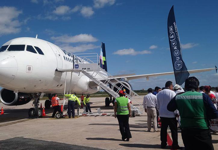 La aerolínea Volaris anunció el inicio de operaciones de su nueva ruta entre la Península de Yucatán y el Bajío.