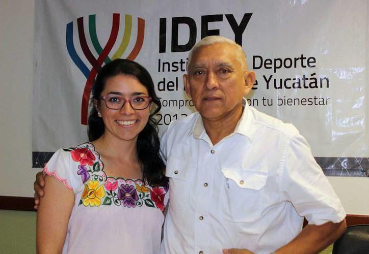 La piscóloga colombiana de Tocancipá, Carol Cárdenas Castro, visitó Yucatán para firmar convenios de trabajo e intercambios con el IDEY. (@IDEY_oficial)