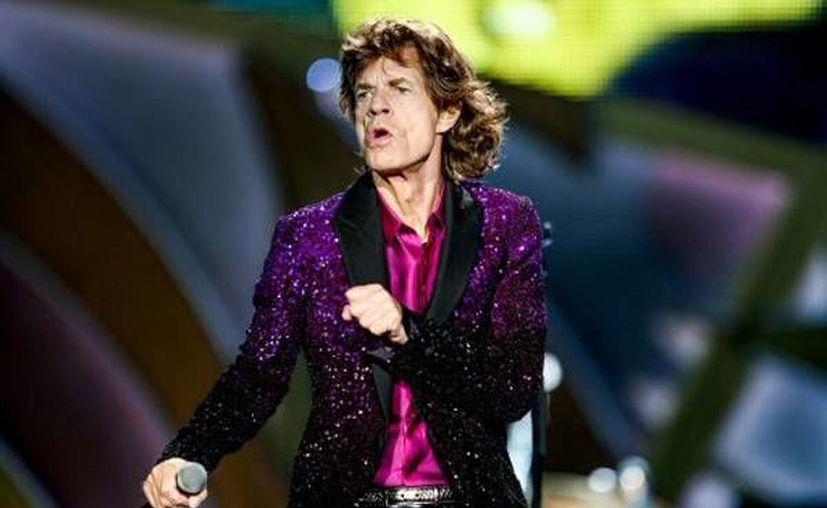 El Vocalista de The Rolling Stones Mick Jagger cumplirá 72 años de edad y planea grabar un nuevo álbum con la agrupación.(Archivo/Sipse)
