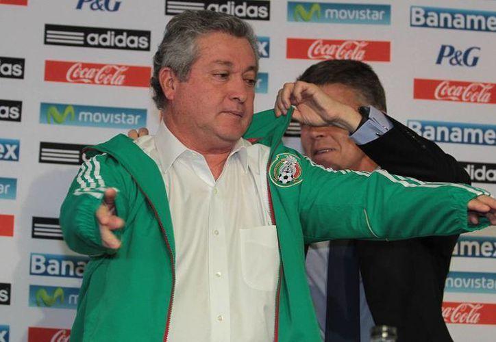El nuevo técnico de la Selección Mexicana admitió que el estar desempleado jugó a favor de que aceptara el equipo nacional. (NTX)