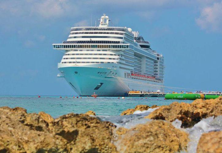 Se espera que en noviembre atraquen 104 cruceros. (Gustavo Villegas/SIPSE)