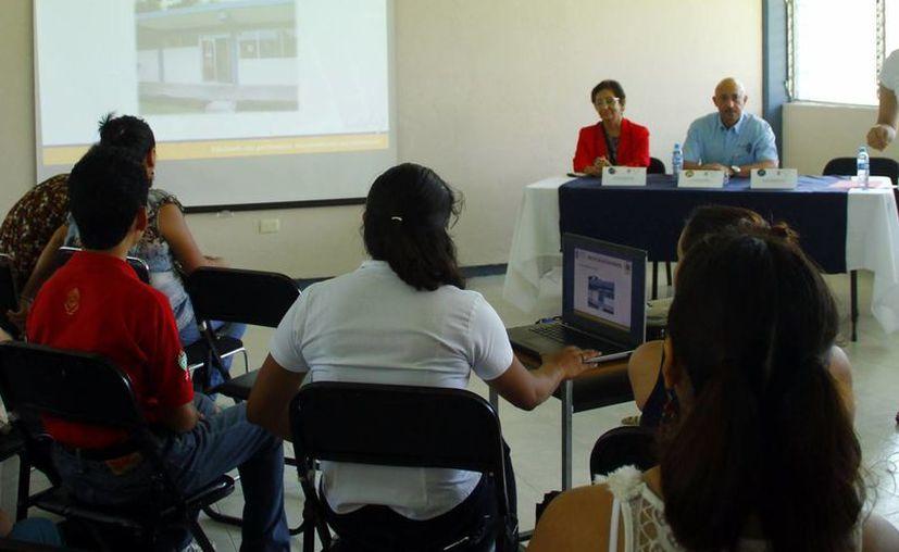 Ayer se celebró el primer aniversario del programa Preparatoria en Línea. (Milenio Novedades)