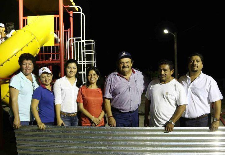 Autoridades municipales visitaron, el pasado fin de semana, las comunidades de Caobas, Nicolás Bravo, Francisco Villa y Nachicocom. (Cortesía/SIPSE)