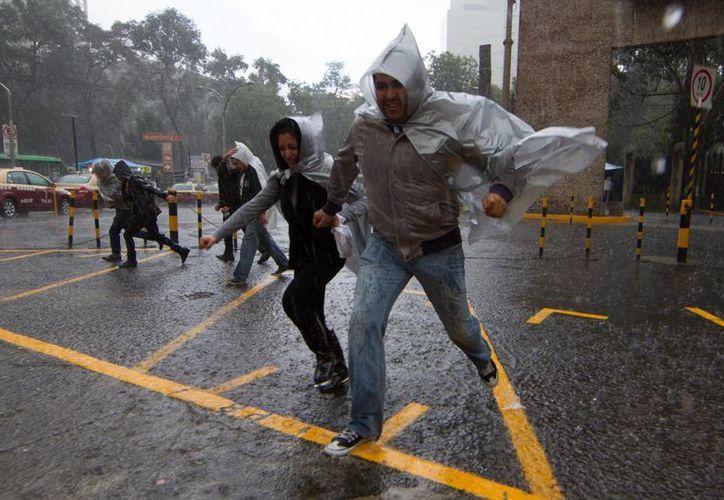 En los estados del centro de la República se pronostican intensas lluvias para este domingo. (Notimex)