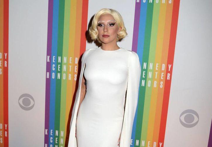 Lady Gaga, quien en 2006 todavía se presentaba en Nueva York como  Stefani Germanotta, aparece en esta foto durante la 37era reunión anual en el Salón Kennedy, en Washington, en diciembre del año pasado. (Foto de archivo de AP)