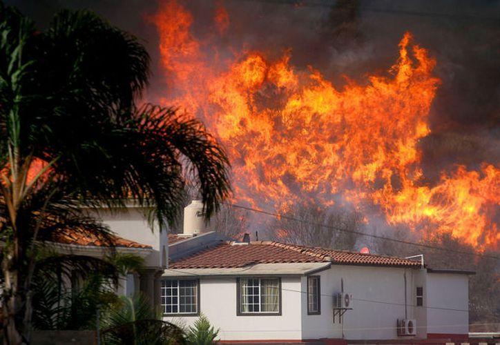 Hasta el momento, como medida precautoria el organismo ha retirado de sus viviendas a cuatro familias. (Foto:Televisa News)