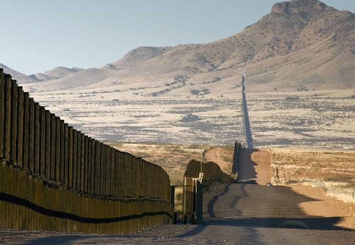 En caso de que Estados Unidos construya el muro, México emprenderá acciones legales internacionales. (marcianosmx.com)