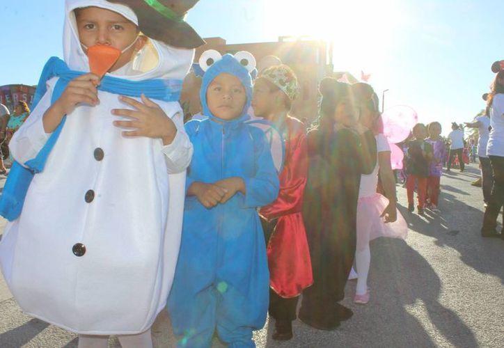 Un gran ambiente de felicidad se vivió este viernes con el Desfile Infantil Carnavalesco en Progreso. (Gerardo Keb/SIPSE)