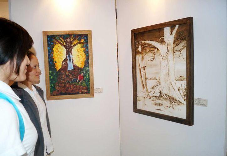 Las obras de la exposición están a la venta y forma parte de la Feria de Apostolados, organizada por el Departamento de Red Misión. (Milenio Novedades)