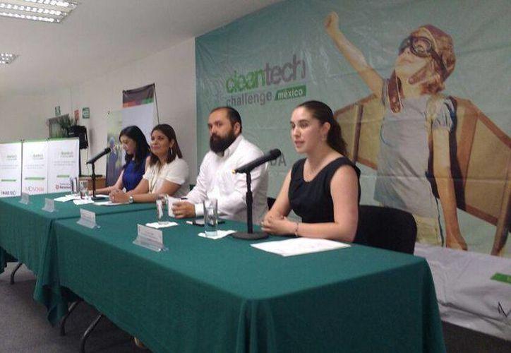 Imagen de la presentación a los medios de comunicación del 'Clean tech Challenge', el concurso de empresas verdes más importante de México. (Candelario Robles/Milenio Novedades)