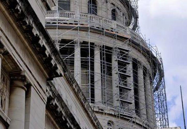 Aseguran que cuando el capitolio cumpla funciones parlamentarias podrá ser visitado como sedes legislativas de otras partes del mundo. (cubanitoencuba.com)