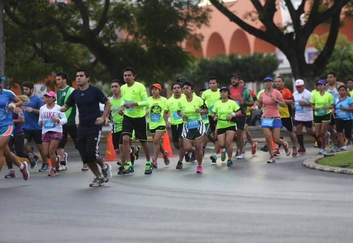 El 7 de enero de 2018 se correrá el tradicional Maratón de Mérida, por el aniversario de fundación de la ciudad. La imagen, de una edición pasada, está utilizada como contexto. (Archivo/SIPSE)