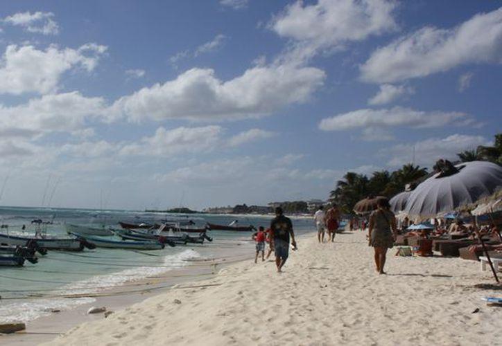 El mal tiempo obligó a suspender lss actividades de playa. (Alida Martínez/SIPSE)