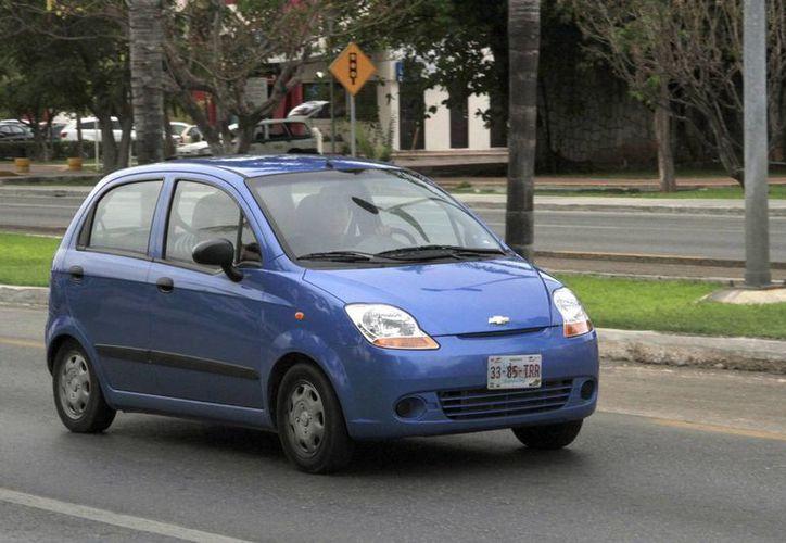 Los visitantes que rentan vehículos se desplazan hacia varios puntos del Estado. (Victoria González/SIPSE)