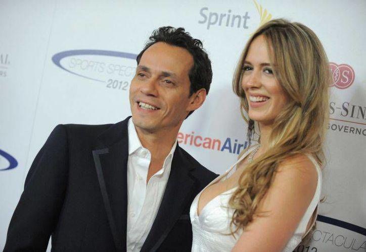 El cantante Marc Anthony y la modelo venezolana Shannon De Lima, quienes habrían terminado su relación tras dos años de matrimonio. (Archivo/ Associated Press)
