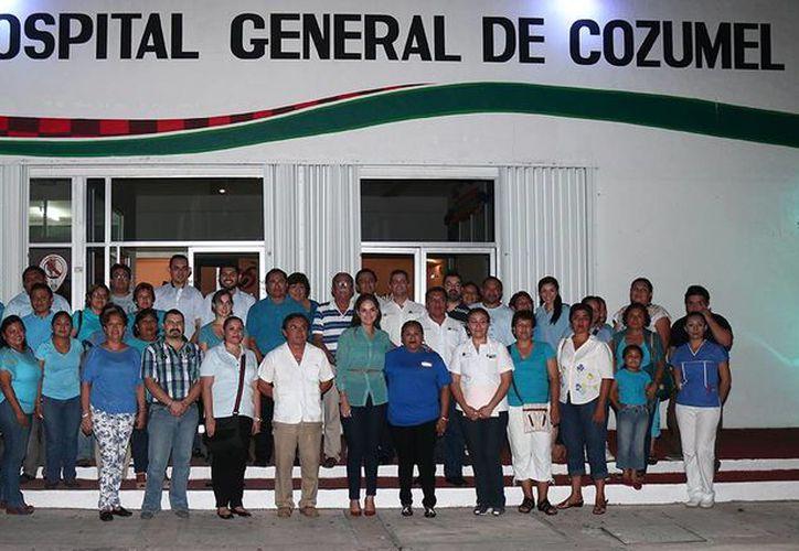 La caminata se  realizó del Palacio Municipal rumbo al Hospital General. (Cortesía/SIPSE)
