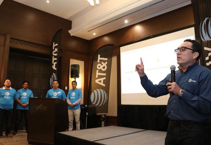 """""""AT&T es la empresa número uno en ingresos en el sector de telecomunicaciones a nivel mundial. En México, ya son el numero dos"""".(Foto: Milenio Novedades)"""