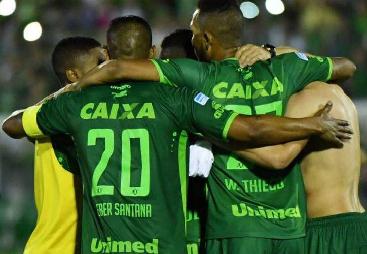 El partido de Ida de la Final de la Copa Sudamericana estaba pactado para jugarse este martes, en Medellín, Colombia.(EFE)
