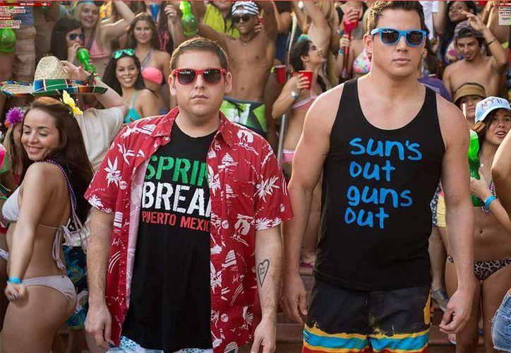 En '22 Jump Street', Channing Tatum y Jonah Hill son dos torpes policías encubiertos que se hacen pasar como estudiantes universitarios para investigar un crimen. (22jumpstreetmovie.com)