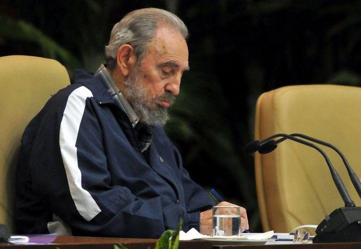 En la imagen, el expresidente cubano Fidel Castro, quien a través de un escrito destacó los logros de la llamada revolución bolivariana en Venezuela. (EFE/Archivo)