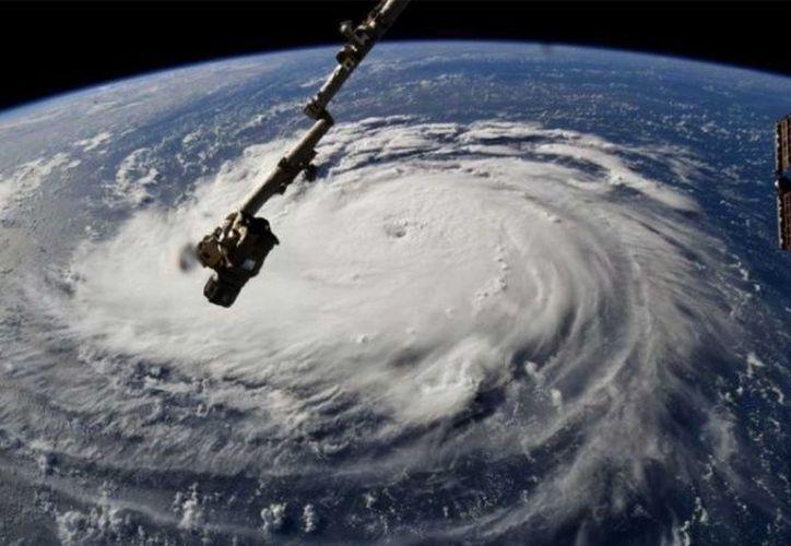 El satélite GOES-16 captó imágenes del ojo del huracán Florence, desde el espacio. (NOOA)