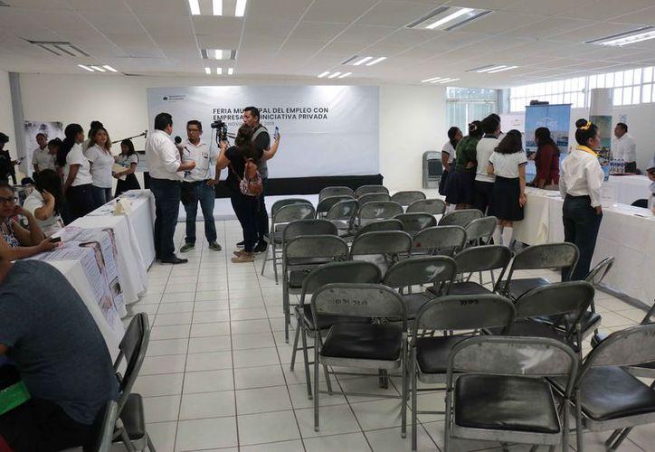 El evento se realizó en el área de convenciones del Conalep de la isla. (Gustavo Villegas/SIPSE)