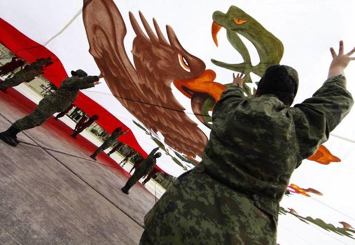 La bandera monumental de Piedras Negras, Coahuila, es actualmente la más grande de todo el país. (Notimex)