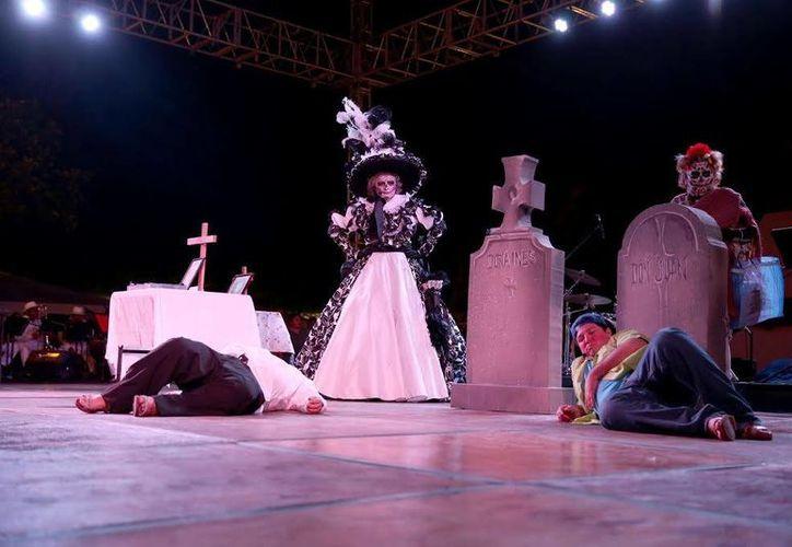 La segunda edición del Festival 'Noche de Catrinas' llegó a su fin con un concurrido espectáculo. (SIPSE)