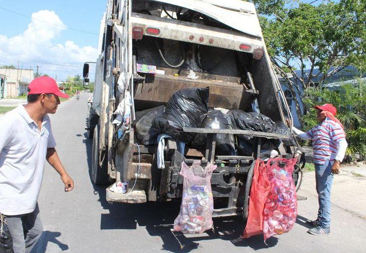 El ayuntamiento de Othón P. Blanco no tiene recursos para adquirir un camión recolector de basura nuevo. (Daniel Tejada/SIPSE)