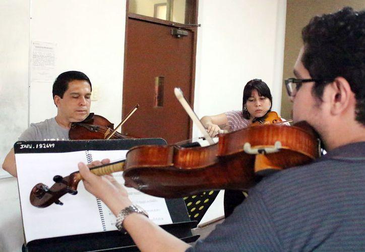 Los músicos podrán compartir sus conocimientos mediante el programa de becas. (Milenio Novedades)