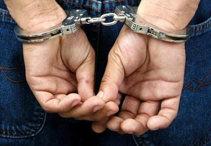 Personal de la Fiscalía General del Estado ejecutó una orden de aprehensión en contra de un profesor acusado por su presunta responsabilidad en el delito de abuso infantil. (Contexto/Internet).