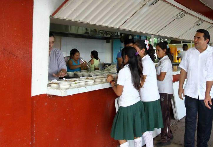 El Consejo de Desarrollo Metropolitano determinó invertir en estos espacios de atención alimentaria a secundarias de las comunidades de escasos recursos de Mérida. (Milenio Novedades)