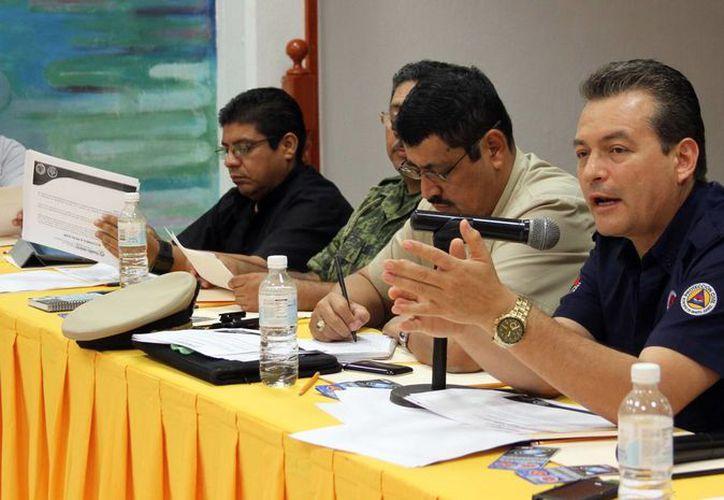 Autoridades de los tres órdenes de gobierno instalaron el subcomité de evacuación y transporte. (Cortesía/SIPSE)