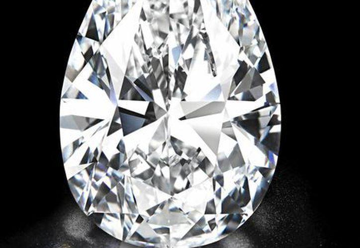 """Fotografía cedida por Christie´s del diamante bautizado como """"Perfección Absoluta"""". (EFE)"""