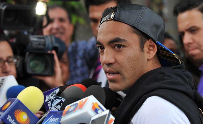 Marco Fabián jugará con Cruz Azul el Mundial de Clubes y después regresará a Chivas, con el que no tiene garantizada la titularidad, según 'Chepo' de la Torre. (Notimex)