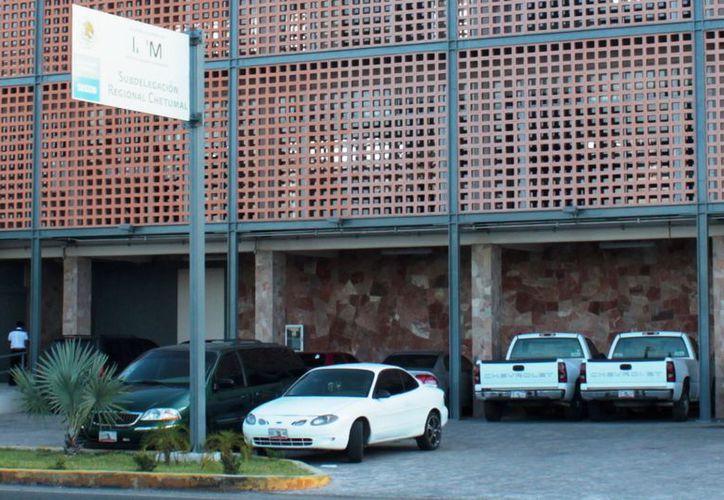 Los indocumentados cubanos salieron de la estación migratoria burlando la videovigilancia y sortearon el cuartel dela Policía Federal. (Ernesto Neveu/SIPSE)