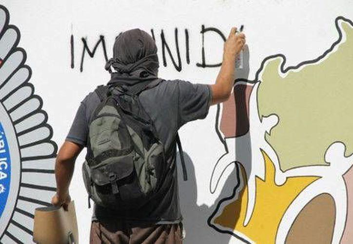 En la manifestación en la 28 Zona Militar en Oaxaca no se registró ningún enfrentamiento. (Milenio)