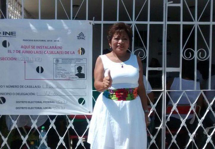 Gilda María Aké votó en la sección 417, correspondiente al fraccionamiento Yucalpetén. (Sonia de Anda/SIPSE)