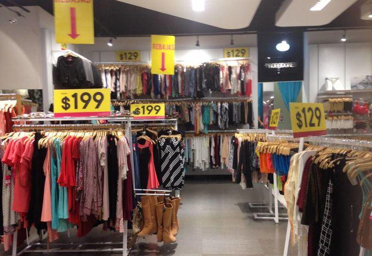 La Profeco recomienda a los consumidores verificar que el precio exhibido en los establecimientos sea respetado al momento de pagar. (Tomás Álvarez/SIPSE)