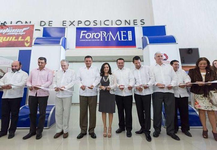 El gobernador Rolando Zapata Bello inauguró ayer el Foro Pyme 2013 de la Cámara Nacional de la Industria de Transformación (Canacintra).