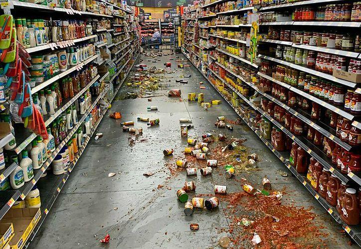 Una experta advierte que podría haber otro sismo de magnitud 7 la próxima semana.  (Chad Mayes/AP)