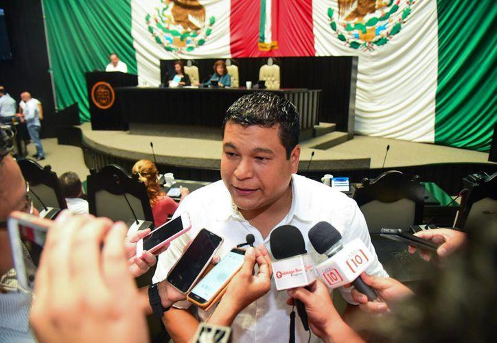 Fernando Levin Zelaya Espinoza anunció su dimisión a la regiduría del municipio de Othón P. Blanco a través de un documento presentado la mañana de este martes. (Cortesía)