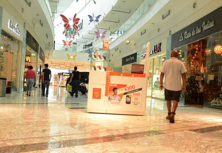 Los comercios preparan promociones para incrementar sus ventas. (Luis Soto/SIPSE)