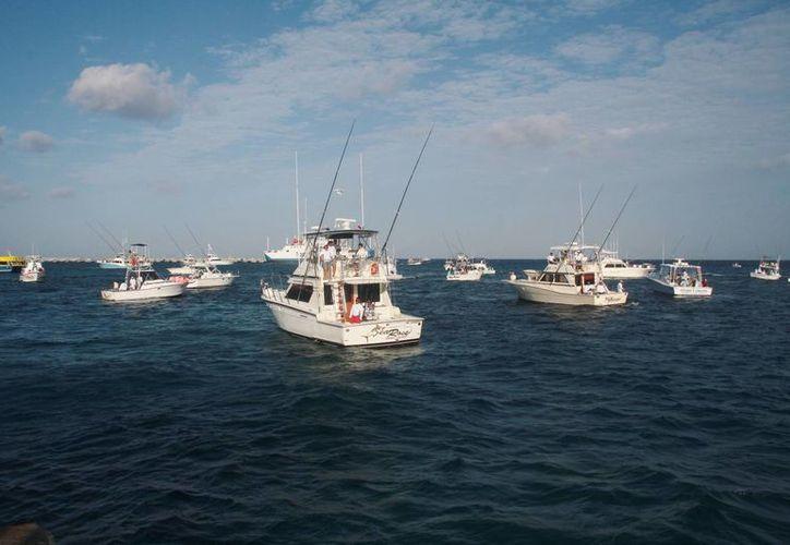 Entre los mil 200 participantes se encuentran pescadores, capitanes y marineros de Quintana Roo, Yucatán, Campeche, Veracruz y extranjeros. (Julian Miranda/SIPSE)
