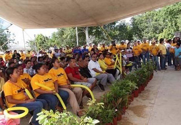 El presidente pidió a los presentes conservar su ciudad limpia. (Cortesía/SIPSE)