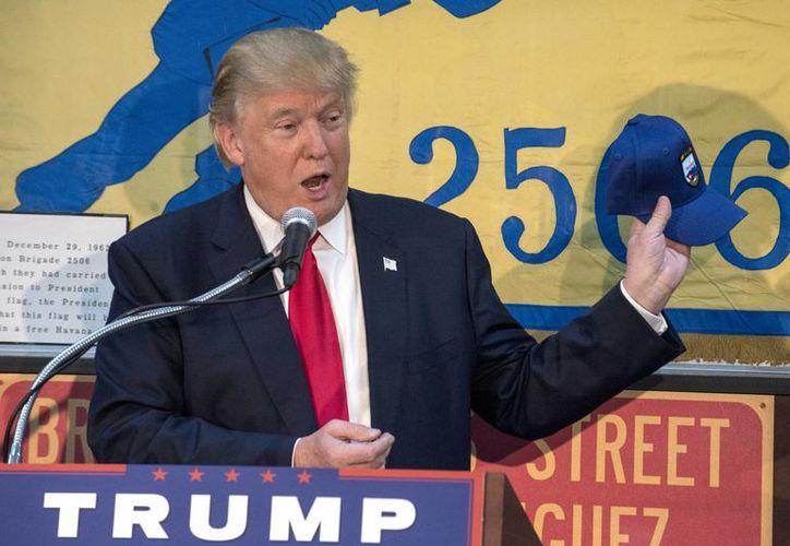 El presidente electo de EU, Donald Trump, renunció al salario anual de 400 mil dólares al que tiene derecho como mandatario. (EFE/Archivo)